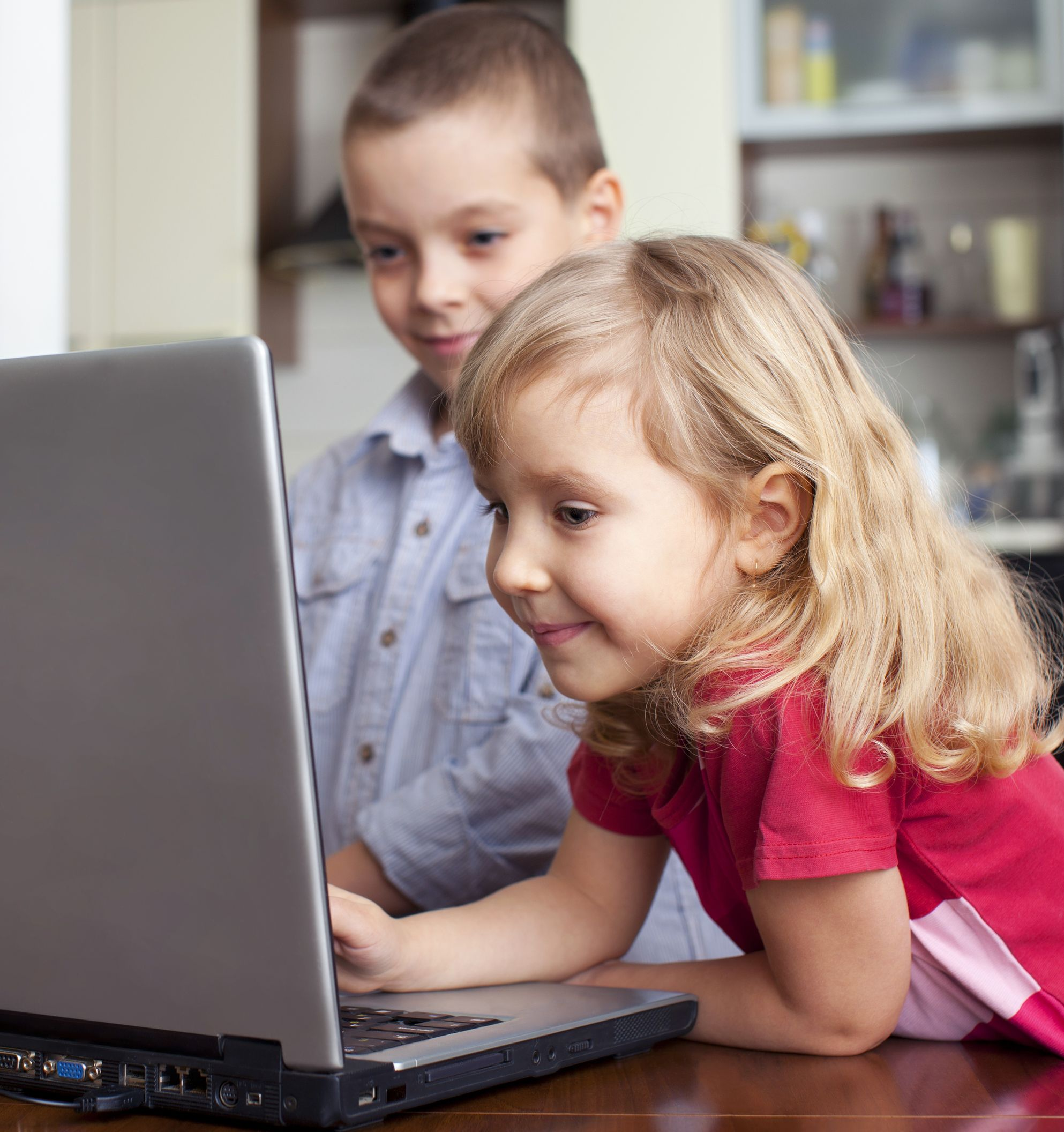 5 Low-Tech Ways of Teaching Digital Literacy to Young Children