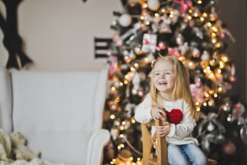 Christmas Stories That Will Tickle Your Funny Bone / Red Apple Reading Blog